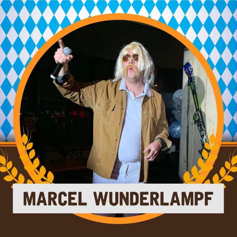 Optreden van een uur door Marcel Wunderlampf